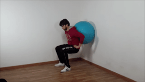 Squat con fitball